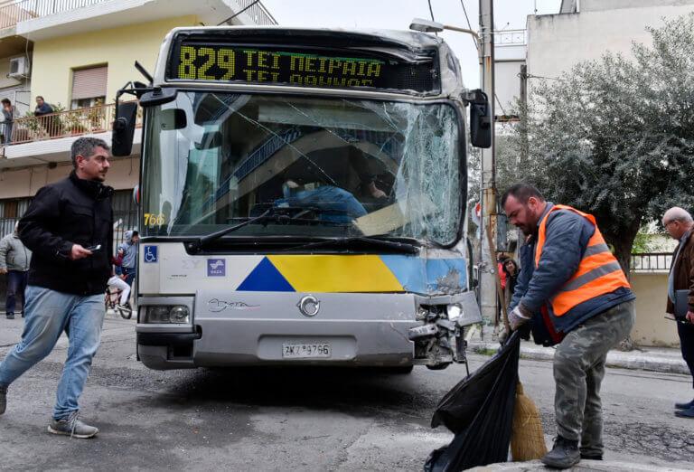 Αιγάλεω: Συγκλονιστικές μαρτυρίες για τη σύγκρουση λεωφορείων – video   tlife.gr