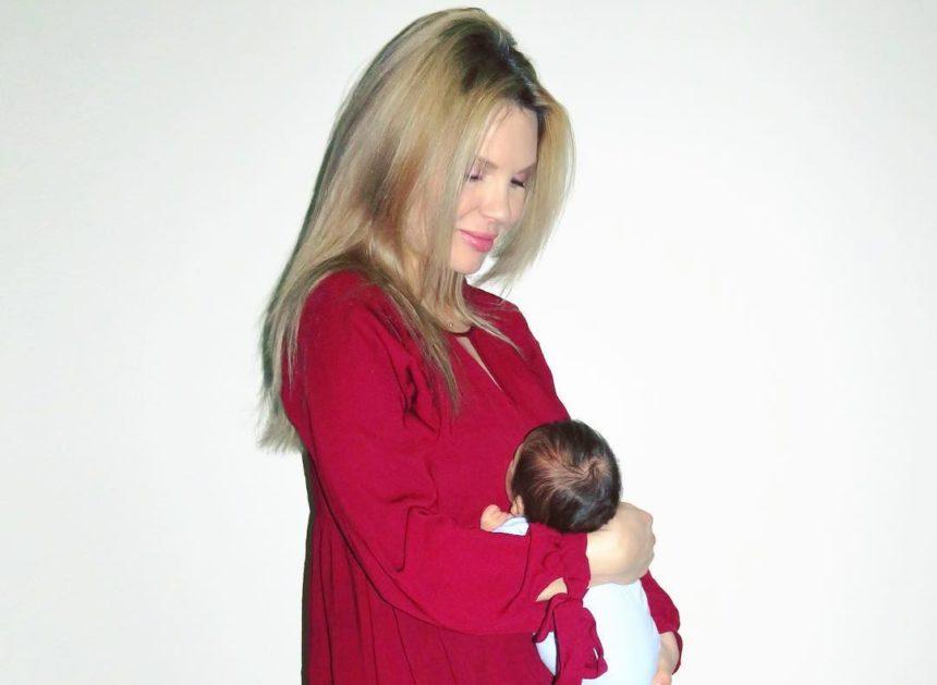 Χριστίνα Αλούπη: Πρωινές βόλτες με τον δύο μηνών γιο της! [pic]   tlife.gr