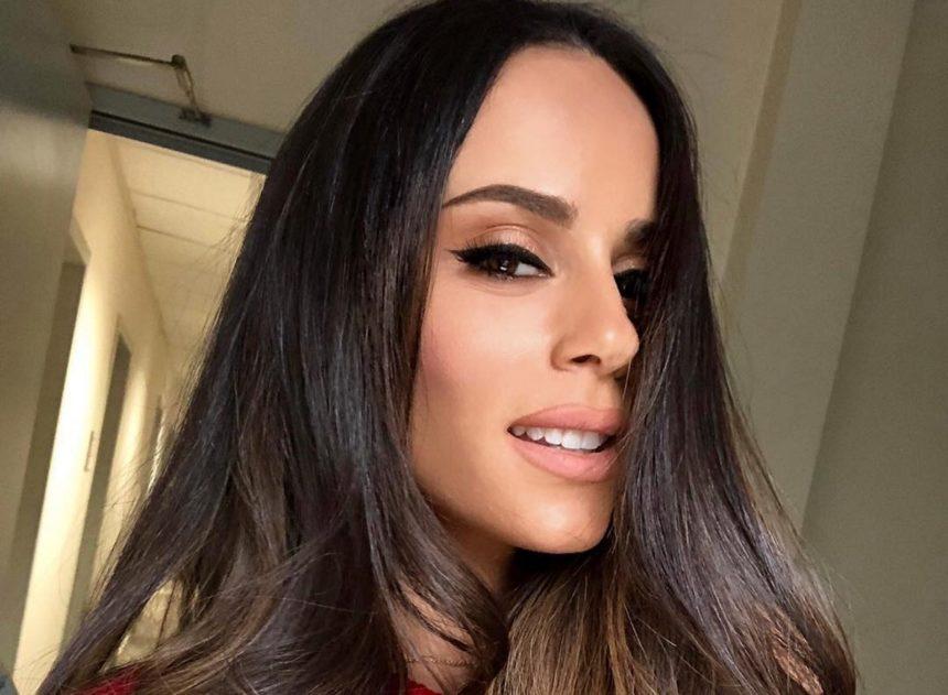 Μαρία Αντωνά: Η sexy συνεργάτιδα της Σταματίνας Τσιμτσιλή γυμνάζεται και εντυπωσιάζει με την άψογη σιλουέτα της [video]   tlife.gr