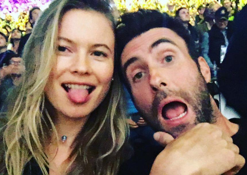 Behati Prinsloo: Οι γλυκές ευχές της στον σύζυγο της Adam Levine για τα γενέθλια του! | tlife.gr