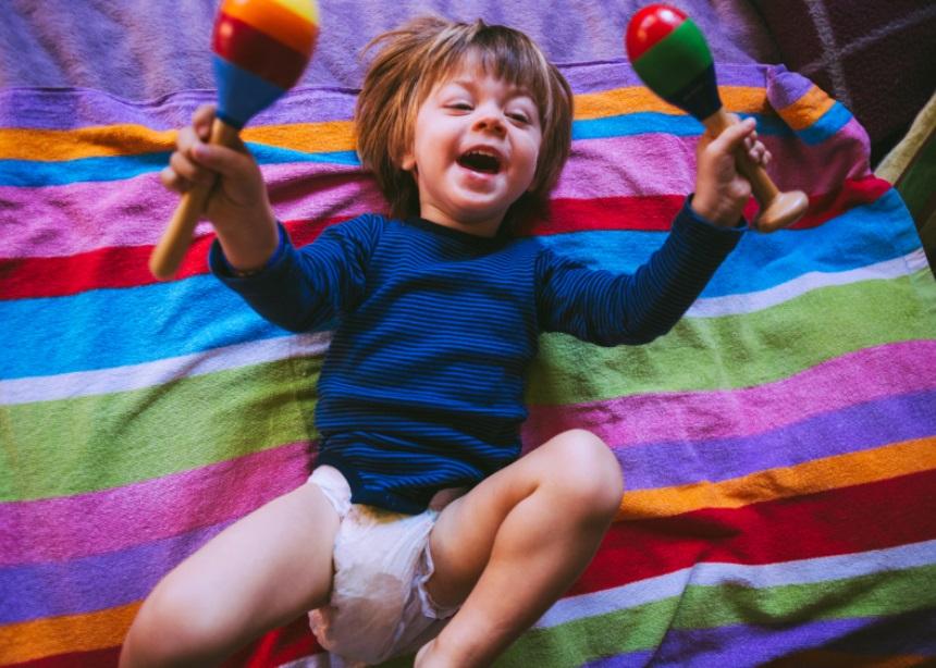 Αλλάζοντας πάνα: Πώς να κάνεις την διαδικασία ευχάριστη για ένα νήπιο