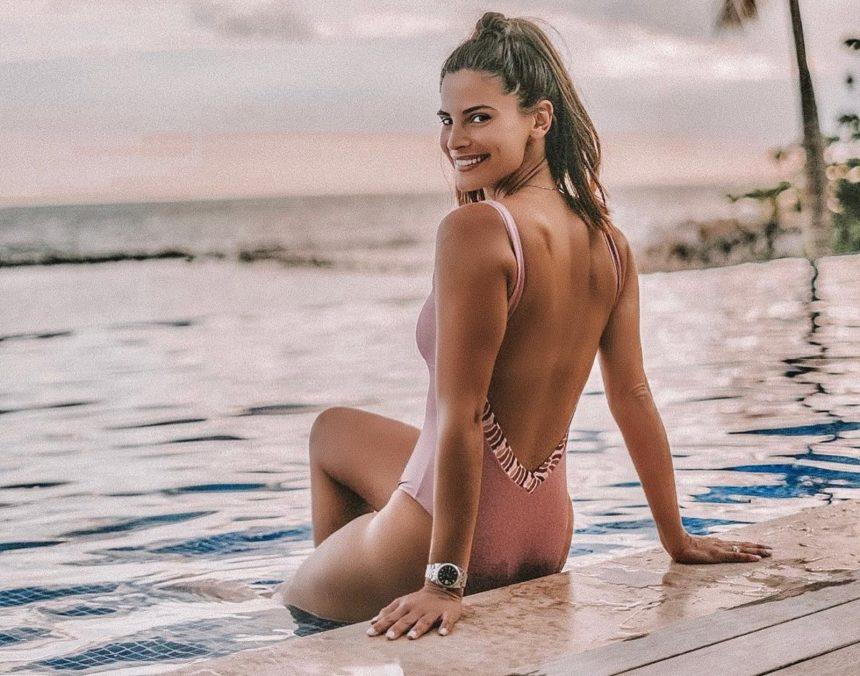 Χριστίνα Μπόμπα: Αναστατώνει τις παραλίες του Αγίου Δομίνικου με τις σέξι αναλογίες της! Video | tlife.gr