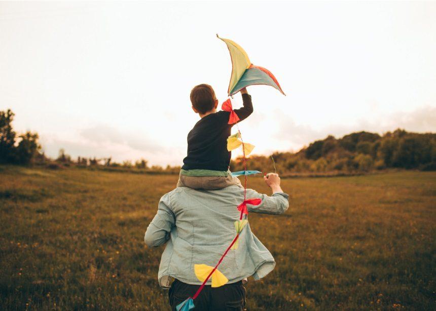 Καθαρά Δευτέρα με τα παιδιά: 8 ιδανικοί προορισμοί για να πετάξετε χαρταετό   tlife.gr