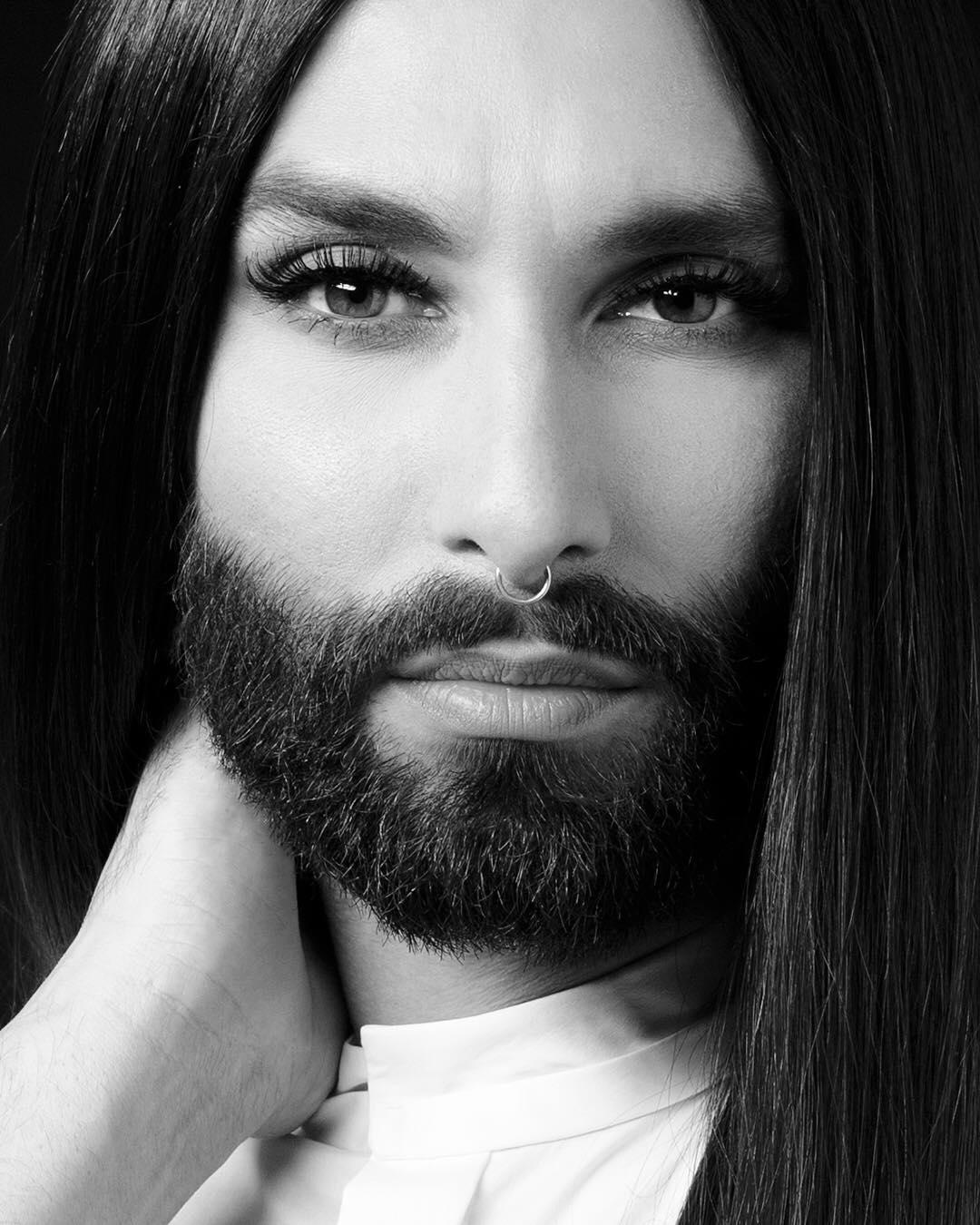 Τα χίλια πρόσωπα της Conchita! Aγνώριστη για τις ανάγκες του νέου της video clip! [pics,vid] | tlife.gr
