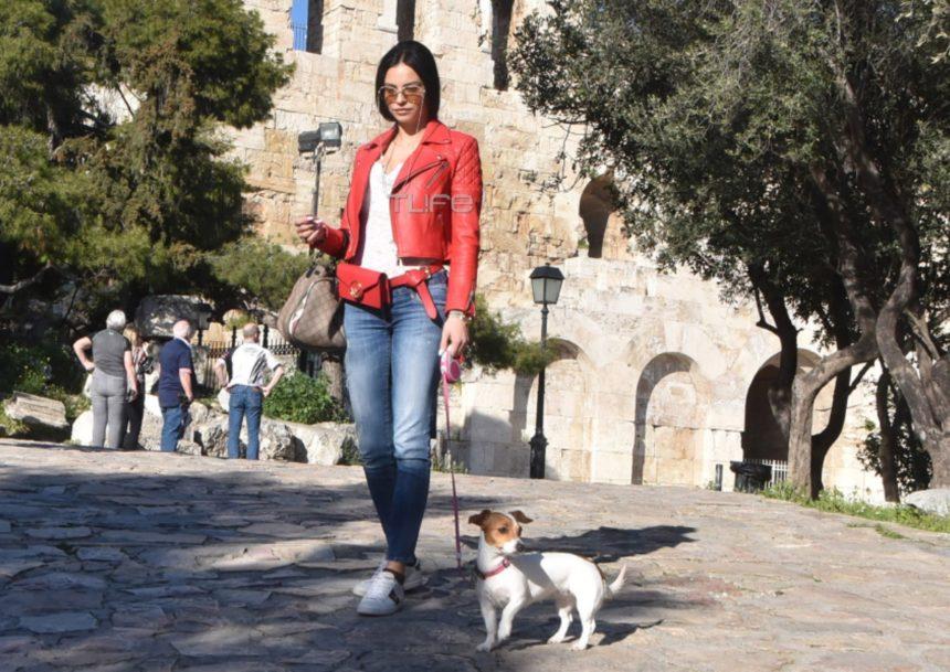 Δήμητρα Αλεξανδράκη: Βόλτα στην Ακρόπολη με τον αγαπημένο της σκύλο! [pics] | tlife.gr