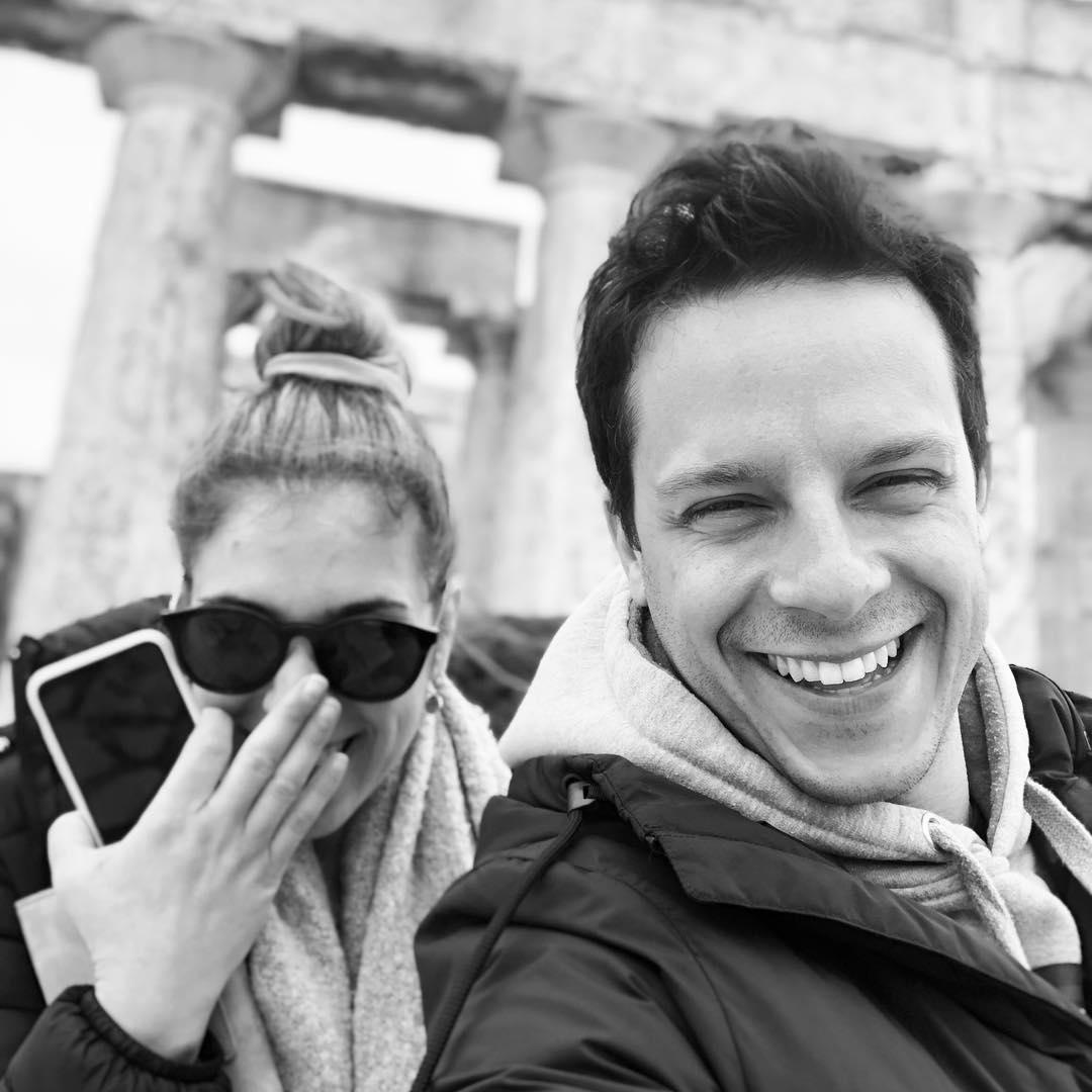 Δημήτρης Μακαλιάς – Αντιγόνη Ψυχράμη: Μας ξενάγησαν μέσω Skype στο μοντέρνο διαμέρισμά τους! [video]