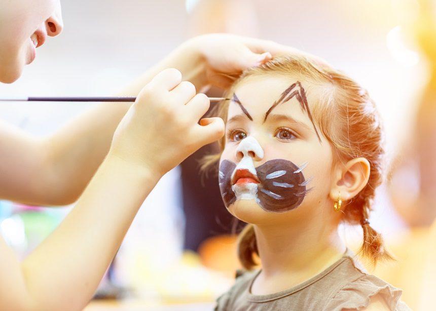DIY kids: Πώς θα φτιάξετε τα πιο εντυπωσιακά χρώματα για face painting | tlife.gr