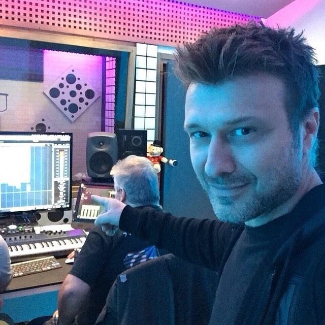 Γιάννης Πλούταρχος: Πάρε μια γεύση από το νέο του τραγούδι που κυκλοφορεί σε λίγες μέρες! video | tlife.gr