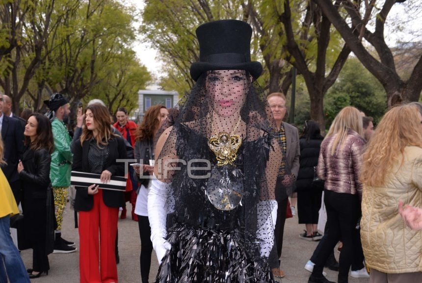 Νατάσα Καλογρίδη: Εντυπωσιακή εμφάνιση στο fashion show του Βασίλη Ζούλια! [pics] | tlife.gr