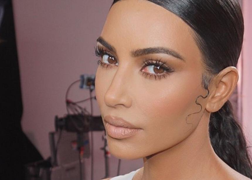 Η Kim Kardashian μόλις ανέβασε φωτό που δείχνει την ψωρίαση στο πρόσωπό της και οι fan της είναι έτοιμοι να συμπαρασταθούν! | tlife.gr