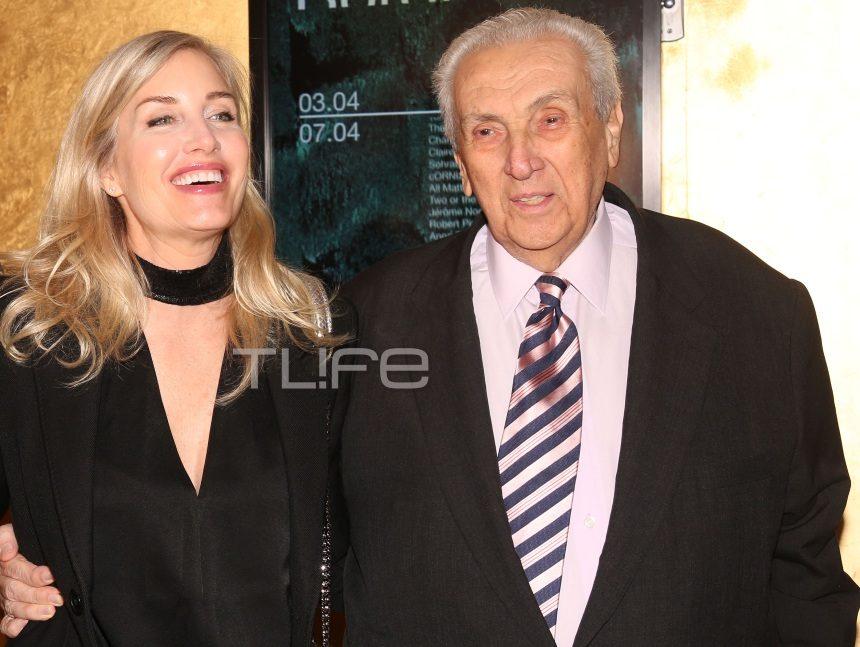 Δημήτρης Κοντομηνάς: Με την εντυπωσιακή σύντροφό του στην επίσημη προβολή του ντοκυμαντέρ του X. Παπακαλιάτη! [pics] | tlife.gr