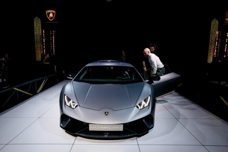 Αυτή η Lamborghini Huracan αξίας 250.000 δολαρίων σε ποιον ανήκει; | tlife.gr