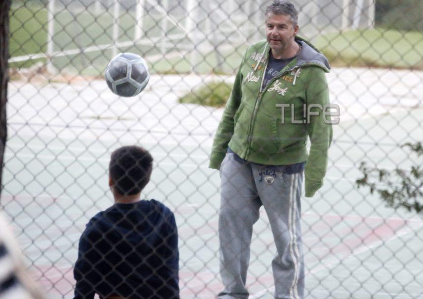 Γιώργος Λιάγκας: Ντυμένος αθλητικά, για ποδόσφαιρο με τον μεγαλύτερο γιο του, Γιάννη! (pics) | tlife.gr