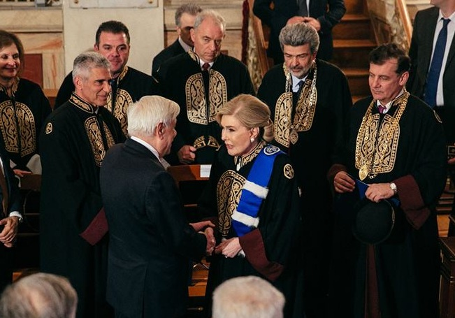 Μαριάννα Βαρδινογιάννη: Αναγορεύτηκε σε επίτιμη διδάκτορα του Τμήματος Ιατρικής του Πανεπιστημίου Αθηνών | tlife.gr