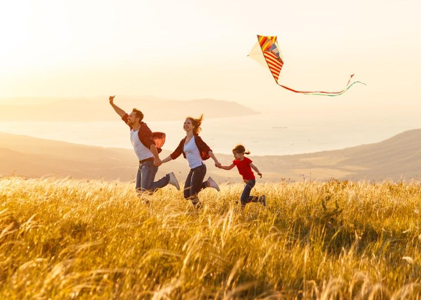 Καθαρά Δευτέρα: 10 συμβουλές από τον γιατρό για να ευχαριστηθεί το παιδί χωρίς απρόοπτα | tlife.gr