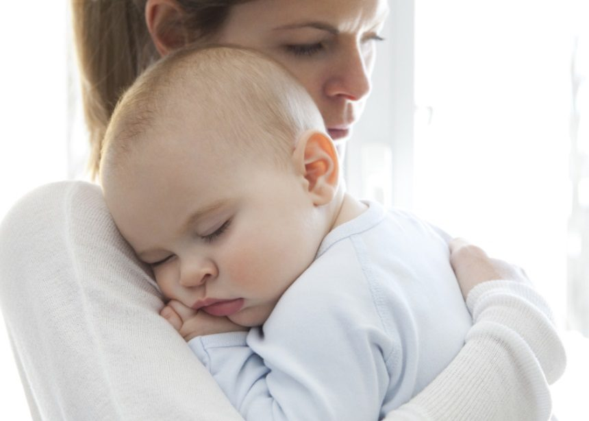 Προσοχή στον πυρετό: Ο Δρ. Μαζάνης προειδοποιεί για την μηνιγγίτιδα που καιροφυλακτεί   tlife.gr