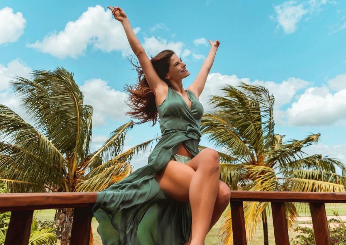 Χριστίνα Μπόμπα: Γυμνάζεται στον Άγιο Δομίνικο – Οι σέξι φωτογραφίες από την παραλία! | tlife.gr