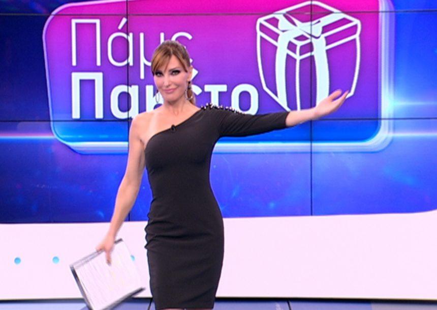 Γιος πασίγνωστου Έλληνα εργάζεται στην εκπομπή της Βίκυς Χατζηβασιλείου ως σκηνοθέτης και δεν το γνώριζε κανείς! | tlife.gr