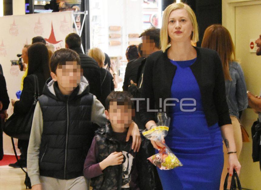 Ραχήλ Μακρή: Για ψώνια στα βόρεια προάστια μαζί με τους γιους της! [pics]   tlife.gr