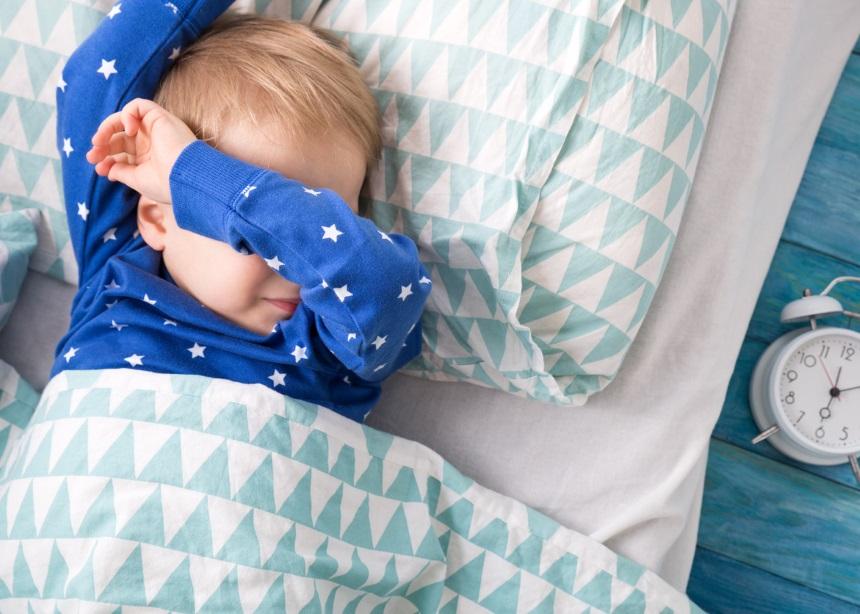 Έρευνα: Πώς επηρεάζεται ο παιδικός εγκέφαλος από την στέρηση ύπνου; | tlife.gr