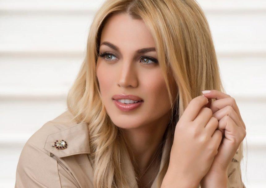 H Κωνσταντίνα Σπυροπούλου απάντησε σε follower για το ρετούς στις φωτογραφίες της! | tlife.gr