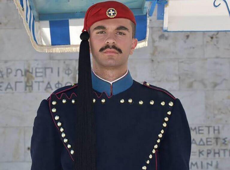 Σπύρος Θωμάς: Μυστήριο παραμένει ο θάνατος του εύζωνα – Το επικρατέστερο σενάριο | tlife.gr