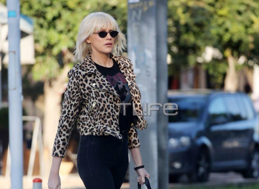 Σάσα Σταμάτη: Βόλτα στην Γλυφάδα με casual look! [pics]   tlife.gr