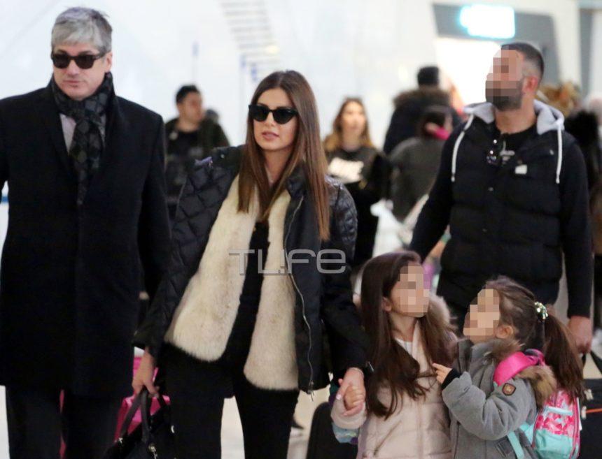 Σταματίνα Τσιμτσιλή – Θέμης Σοφός: Στο αεροδρόμιο μαζί με τις κόρες τους λίγο πριν αναχωρήσουν για το ταξίδι τους! [pics] | tlife.gr