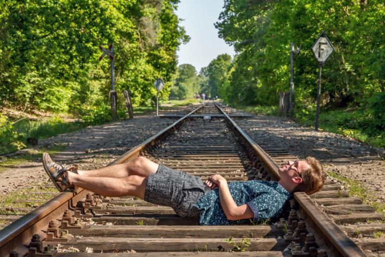 Είστε ψυχοπαθείς; Απαντήστε το τεστ-κουίζ με το τρένο και τα πιθανά θύματα! [vid] | tlife.gr