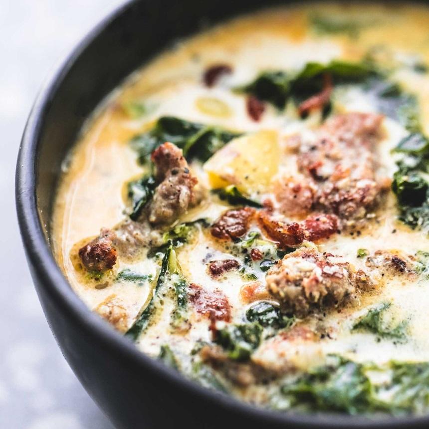 Πατατόσουπα Τοσκάνης με λουκάνικο και kale