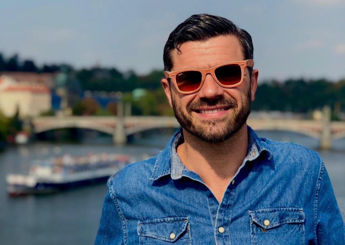 """Χρήστος Βασιλόπουλος: Η φωτογραφία με πρωταγωνίστρια του """"Τατουάζ"""" στον πρώτο μεγάλο του ρόλο!"""