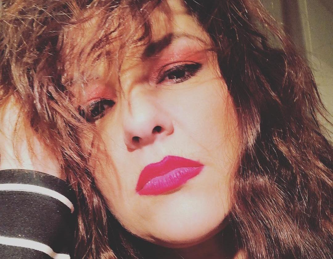 Συγκινεί η Kατερίνα Ζαρίφη: Ο Γιάννης Μπεχράκης ήταν το ίνδαλμά μου! «Αντίο απίθανε άνθρωπε» | tlife.gr