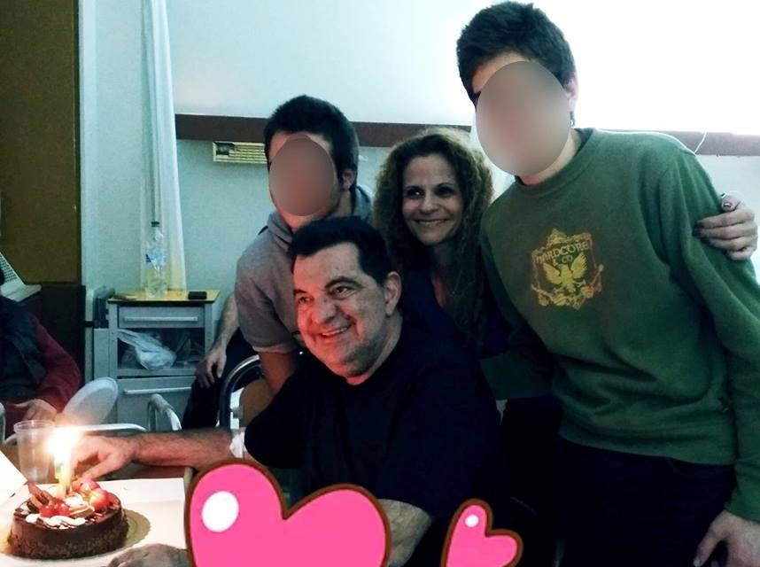 Το ξέσπασμα των γιων του Κώστα Ευριπιώτη: «Καταδικάζουμε αυτούς που προσβάλλουν τον πατέρα μας»! | tlife.gr