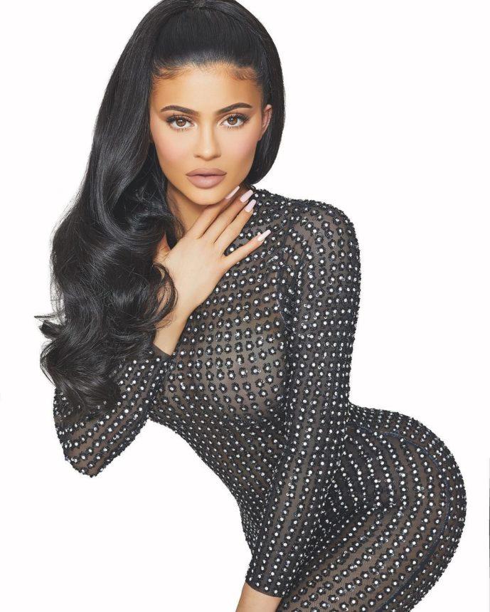 Η Kylie Jenner με το τελειότερο χτένισμα που την έχουμε δει. Ever!   tlife.gr