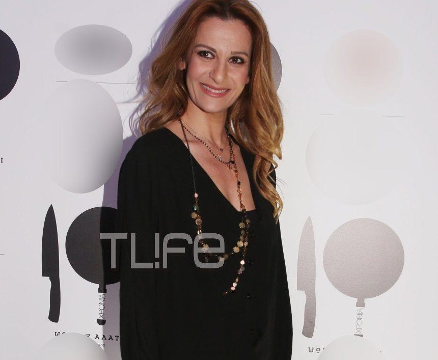 Δέσποινα Ολυμπίου: Σπάνια δημόσια εμφάνιση για την αγαπημένη τραγουδίστρια! [pics] | tlife.gr