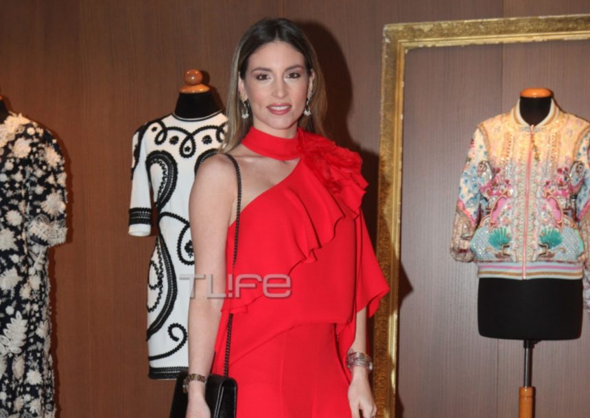 Αθηνά Οικονομάκου: Εντυπωσιακή με total red look σε fashion event για φιλανθρωπικό σκοπό! [pics] | tlife.gr
