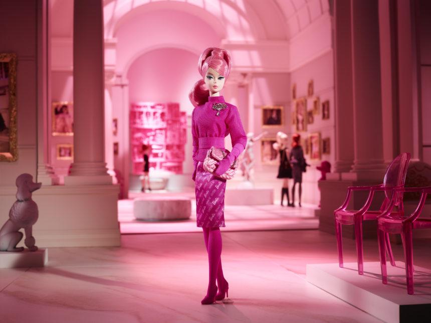 Τι κι αν μεγάλωσα; Ακόμα μου αρέσει να παίζω με τις Barbie μου! | tlife.gr