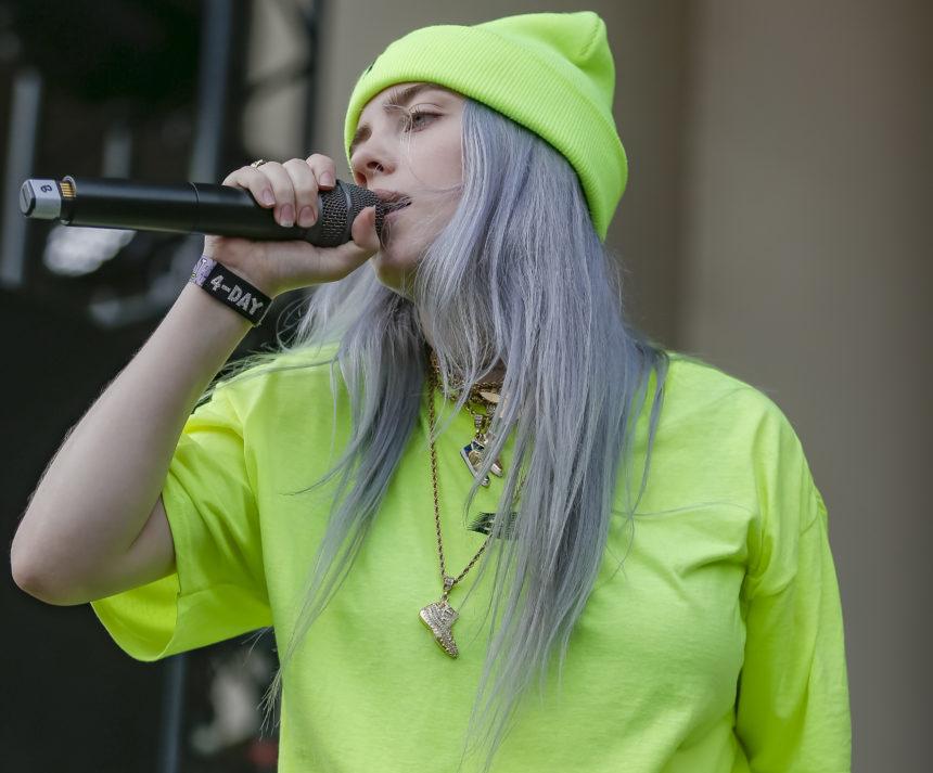 Billie Eilish: τα δύο πράγματα που δεν φοράει ποτέ στη σκηνή το νέο big thing της μουσικής! | tlife.gr