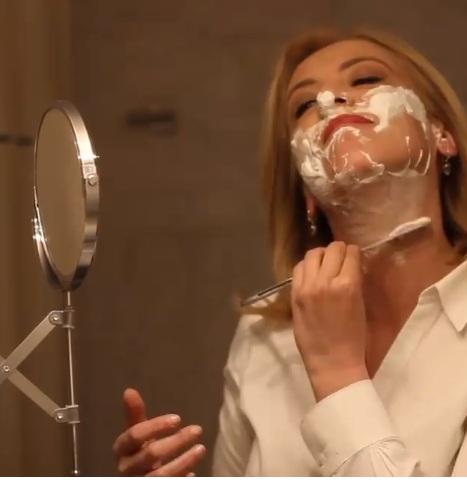 Η Ρένα Δούρου, ξυρίζει τα… «μούσια» της! Το ξεχωριστό βίντεο και το μήνυμά της! | tlife.gr