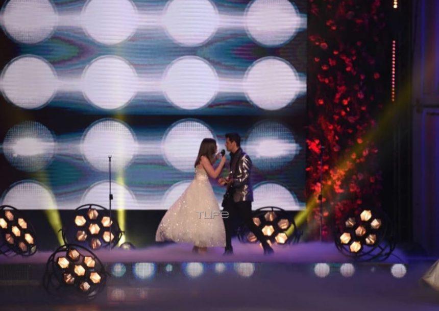 Madwalk 2019: Ο Σάκης Ρουβάς και η Marina Jungwirth εντυπωσίασαν ερμηνεύοντας το «Shallow»! (video) | tlife.gr