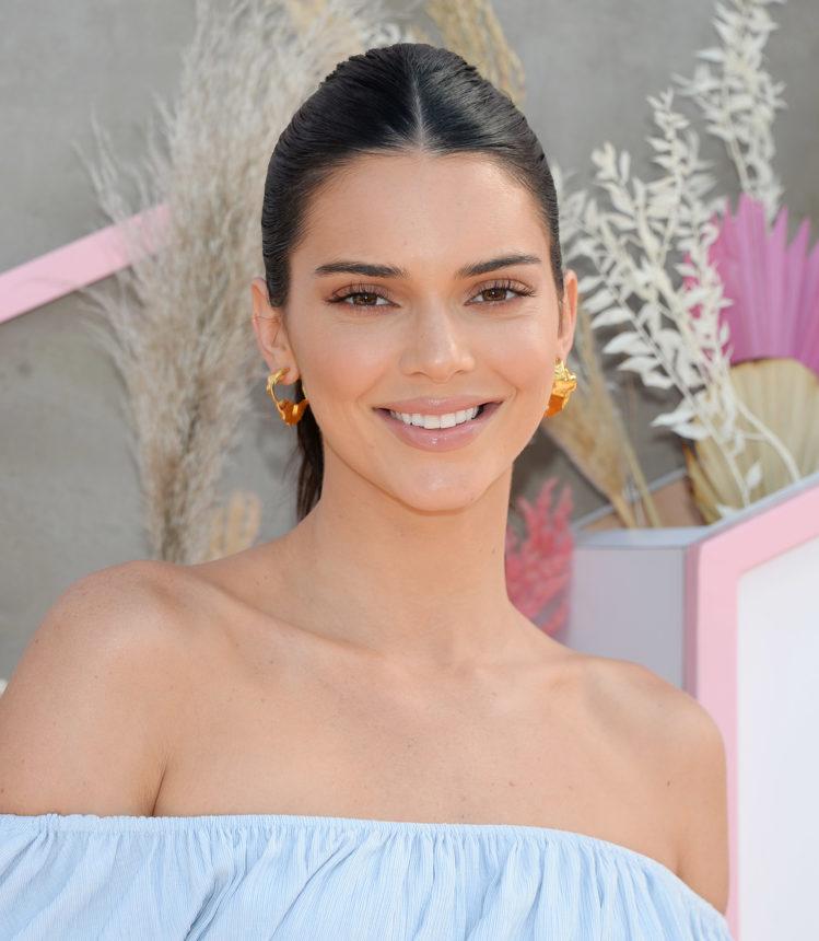 Kendall Jenner: ποιο είναι το αγαπημένο της προϊόν μακιγιάζ για το φετινό Coachella! | tlife.gr
