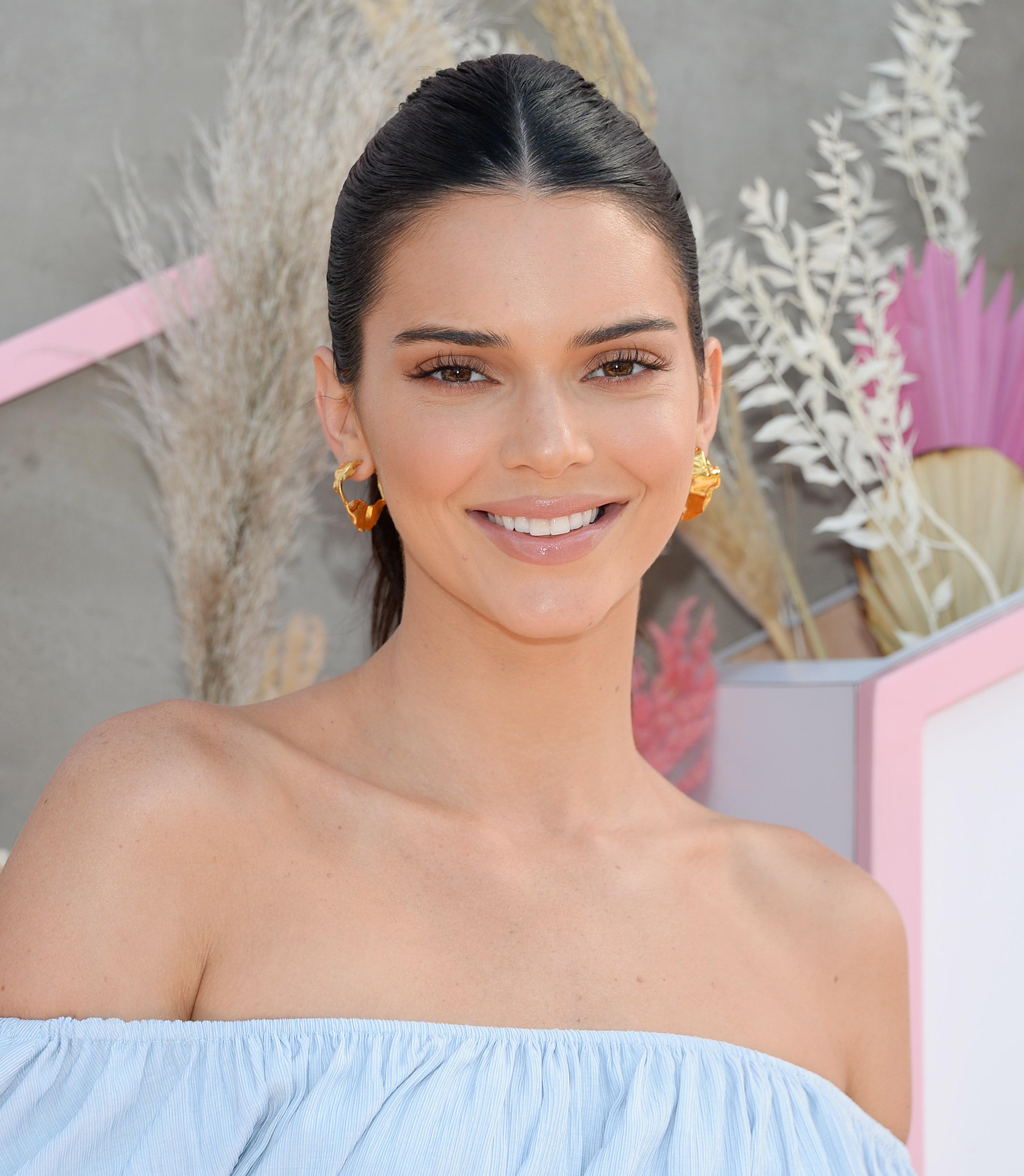 Kendall Jenner: ποιο είναι το αγαπημένο της προϊόν μακιγιάζ για το φετινό Coachella!