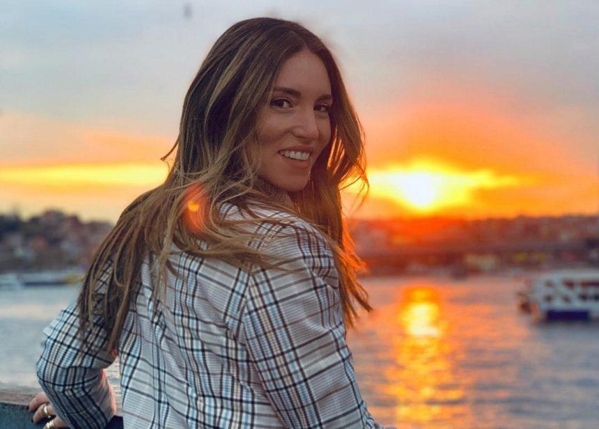 Αθηνά Οικονομάκου: Η φωτογραφία από τη θάλασσα και η αντίστροφη μέτρηση για το καλοκαίρι! | tlife.gr