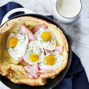 Croque madame σε λαχταριστό pancake φούρνου