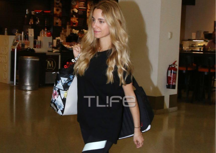 H εγκυμονούσα Δούκισσα Νομικού είναι η πιο fit μαμά: Με sporty look στο αεροδρόμιο! [pics] | tlife.gr