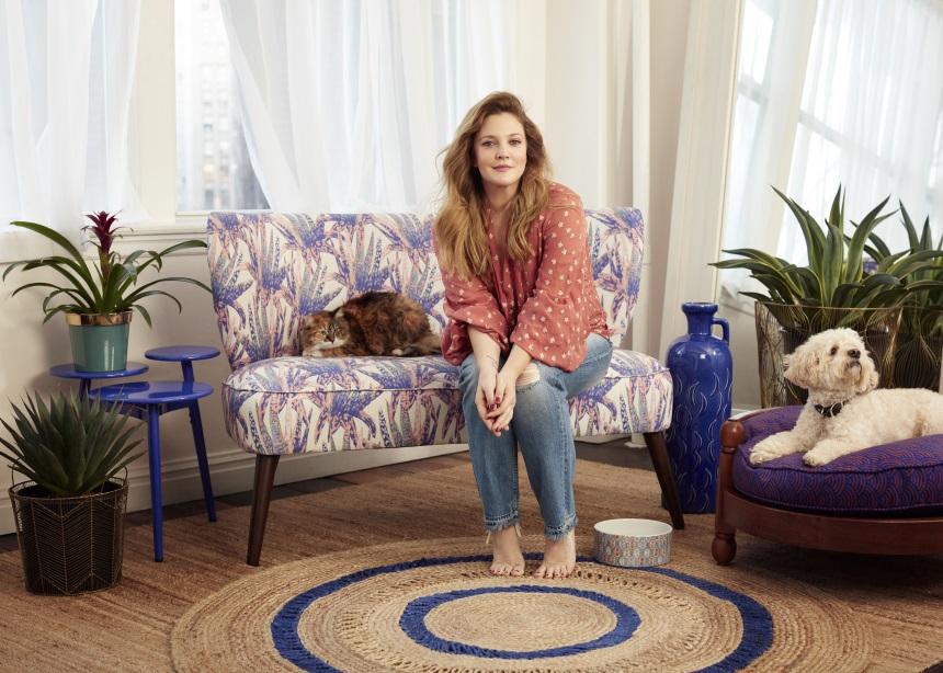 Η Drew Barrymore σχεδίασε μια συλλογή με είδη σπιτιού που θα λατρέψεις!
