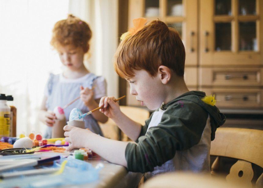 Family Easter: Οι πιο διασκεδαστικές και χαρούμενες πασχαλινές χειροτεχνίες για τα παιδιά | tlife.gr
