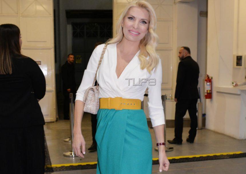 Ελένη Μενεγάκη: Με chic ανοιξιάτικη εμφάνιση έκλεψε τις εντυπώσεις στο fashion show των MI-RO! (pics) | tlife.gr