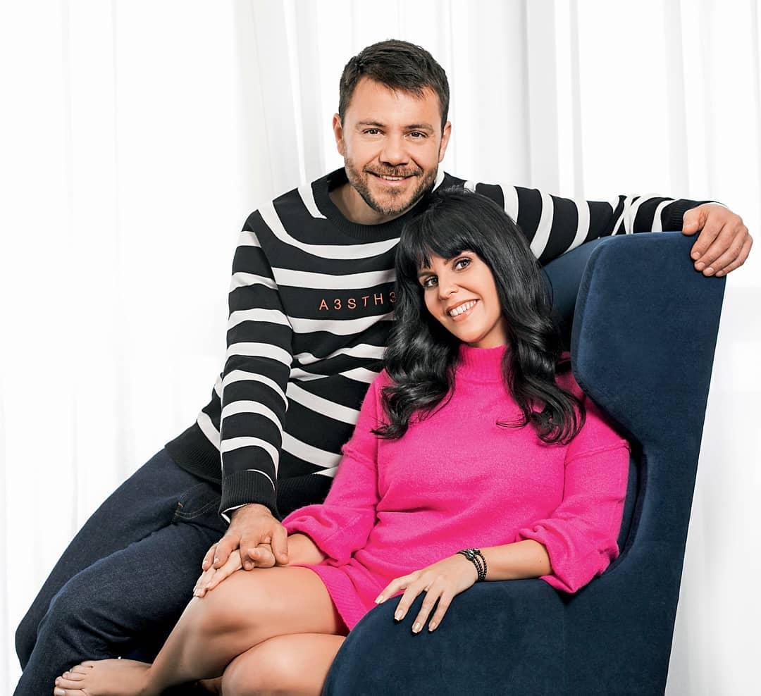 Ο Ευτύχης Μπλέτσας έγινε πατέρας! Η φωτογραφία με την κόρη του και την σύντροφό του στο μαιευτήριο!