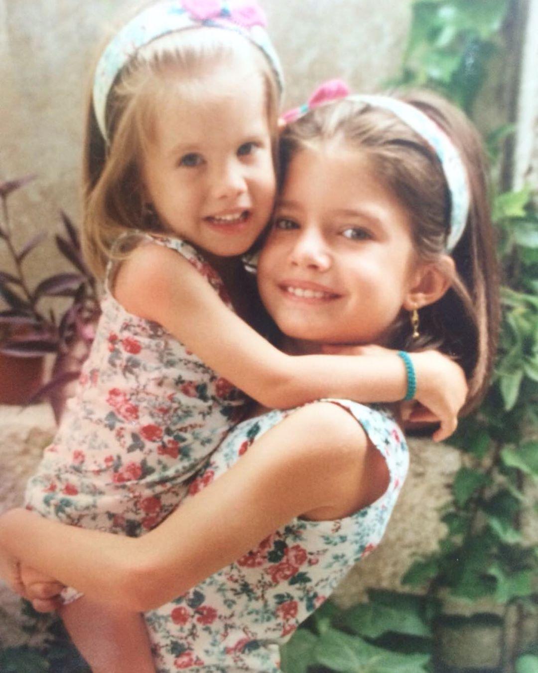 Ευαγγελία Αραβανή: Η φωτογραφία από το παρελθόν με την αδερφή της και το τρυφερό μήνυμα!
